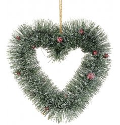 Bring home a wintery frosted feel with this Traditional inspired hanging heart berry wreath