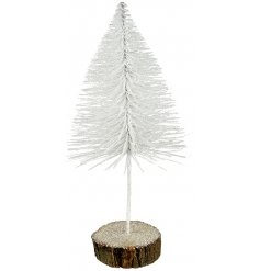 Stood on a rustic bark base, this white glittery twig tree will be sure to look perfect in any Winter Wonderland inspir