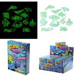 Bring a magical underwater touch to any little ones bedroom walls and ceilings with these sticky glow in the dark sea c