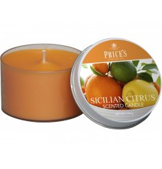 Fill your home with a fresh and fruity infused scent with this little wax candle
