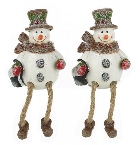 Traditional shelf sitting snowmen with dangly rope legs, holly topped hats and red berry scarves.
