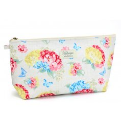 A Floral Hydrangea Cosmetic Pouch