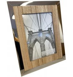 Bring a modern yet country charm feel to your home interior with this beautifully simple picture frame