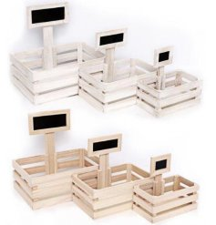 This assorted set of sized wooden crates will be sure to make any display stand organised!