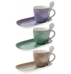 Bring an Earthen inspired touch to your kitchen sides with this beautiful assortment of coloured mug, spoons and snack