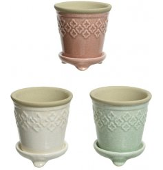 Bring a subtle touch of colour to any Windowsill, side unit or garden space with this chic assortment of pastel planter