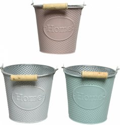 A mix of 3 pretty pastel coloured buckets with a textured pattern and home label. Complete with wooden handle.