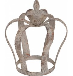 Place a warm glowing tlight inside this Antique inspired crown for a Rustic Living inspired touch to your home decor