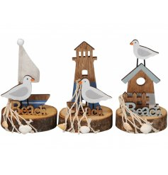 A mix of 3 charming maritime models with boat, lighthouse and beach hut designs.