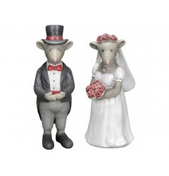 Adorable bride and groom mice decorations. A fabulous wedding decoration and gift for the happy couple.