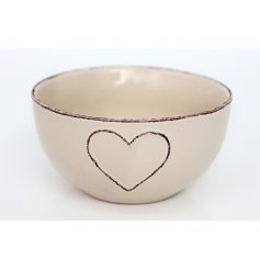 A beautiful shabby chic style bowl with an embossed heart. Perfect for indulgent puddings and more!