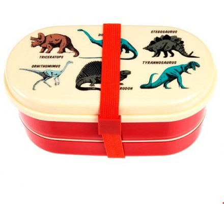 With its printed prehistoric roamers, this plastic lunch box will be wanted by any little ones!