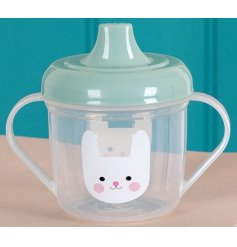 Keep your little bunnies happy with this adorable sippy cup with a green lid and graphic bunny design.