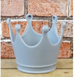A stylishly simple Ceramic Crown in a soft grey tone