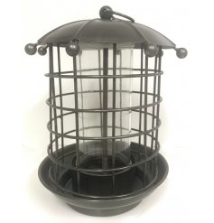 Bring the wildlife to your garden with this charmingly designed hanging iron bird feeder