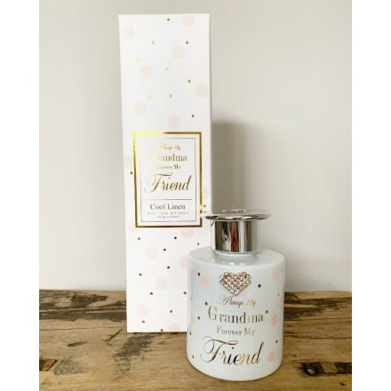 A stylish slogan reed diffuser with a heart shaped gem. A lovely gift item and fragrance for the home.