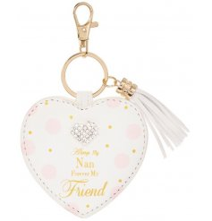 A beautiful heart shaped key ring with tassel. Complete with a nan slogan and sparkly heart gem.