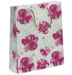 this gift bag will be sure to bring a charming presentation to any gift giving event