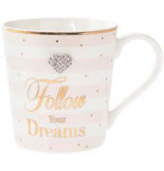 Decorated with the traditional Mad Dots design, this sleek and stylish Fine China Mug will be sure to make a wonderful g