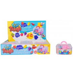 Get creative and sculpt, mould and play with this pack of scented dough with carry case.