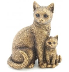 A fine quality cat and kitten ornament from the popular bronzed reflections range.