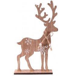 Bring a winter woodland inspired feel to your home decor this Christmas with this charming standing wooden reindeer deco