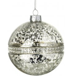 A stunning glass bauble with a vintage mottled finish and sparkling diamante beading. A must have seasonal decoration.