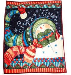 Get cosy this season with this snow kisses snowman design blanket. A snug, fleece blanket.