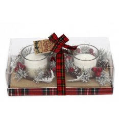 A beautifully Traditional inspired set of candles featuring a frosted pine and berry decal