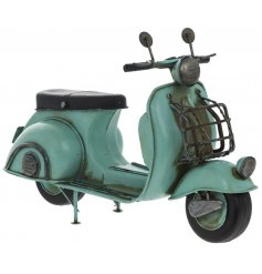 A fine quality scooter model by Leonardo. A great collectable item for scooter enthusiasts.