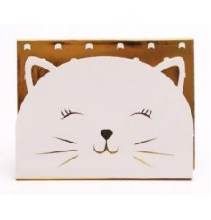Set with a cute little cat theme, this gold and white magnetic memopad will be sure to come in handy for notes and remi