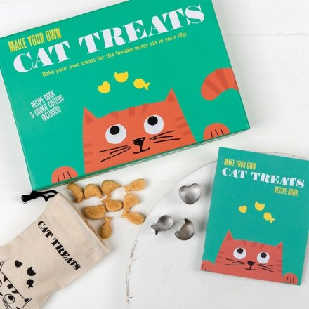 this charming Make Your Own Treat Set will be sure to make weekend baking fun for both pets and owners!