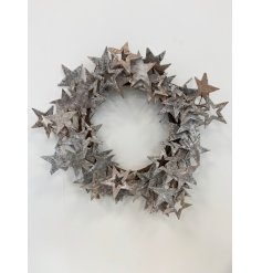 this beautifully chic wreath will be sure to add a Luxe edge to any home space at Christmas
