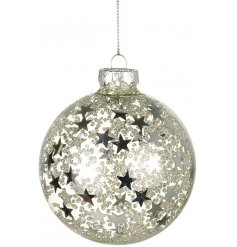 Add a sparkly touch to your tree decor this festive season with this beautiful glass bauble