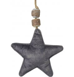 Stay on trend with this large fabric star decoration with chunky jute hanger and wooden bead detailing.