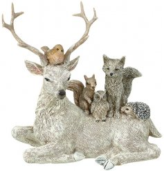 Bring a cozy woodland inspired feel to your home with this beautifully decorated Stag and Friends ornament