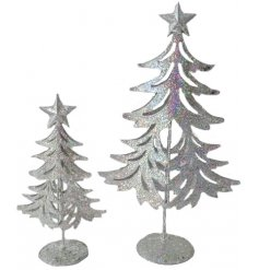 this simple yet stylish metal tree decoration will be sure to add a Glitz feel to any space