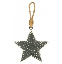 Bring a Nordic feel to your tree decor with this charmingly simple hanging metal star decoration