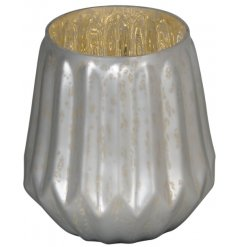 Bring a wintered touch to your home interior with this sleek and stylish matte white candle holder