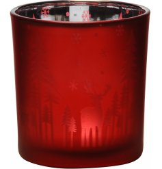 Perfect for tying in with any themed home at Christmas this Festive Red toned tlight holder is sure to add a cozy feel
