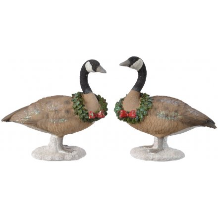 Resin Geese With Wreaths, 2ass