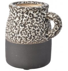 this stylish ornamental vase will be sure to bring a Rustic Charm to any home space or display