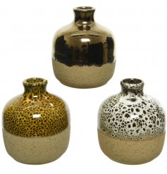 Each based with a distressed rough stoneware finish, will be sure to bring a charming edge to any home space