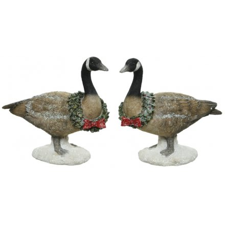 Resin Geese Figures With Wreaths, 2ass