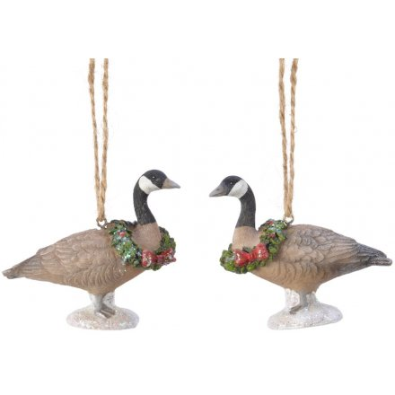 Resin Hanging Geese With Wreaths, 2ass