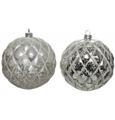 An assortment of 2 silver mercury baubles with a quilted effect finish with glitter.