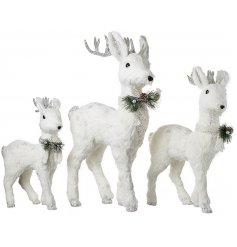 Bring an elegant touch to your home decor or displays at Christmas with this gorgeous set of assorted sized reindeer fig