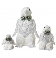 Bring an elegant touch to your home decor or displays at Christmas with this gorgeous set of assorted sized penguin figu