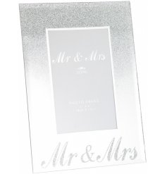A wonderfully sentimental gift idea for any couple tying the knot or celebrating an anniversary