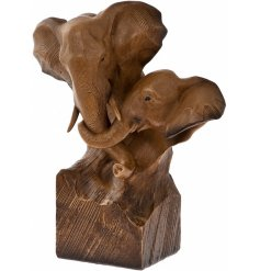 Introduce a vintage charm to your home space with this beautifully detailed ornamental wooden bust